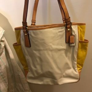 Coach tote (white and yellow)